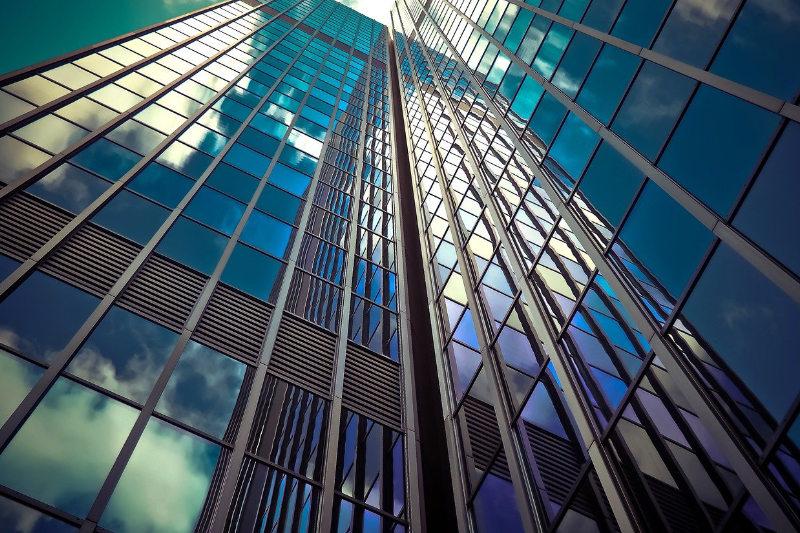 Glasreinigung & Fassadenreinigung München - Luna Glanz GmbH & Co KG - Professionelle Gebäudereinigung München, Facility Management München