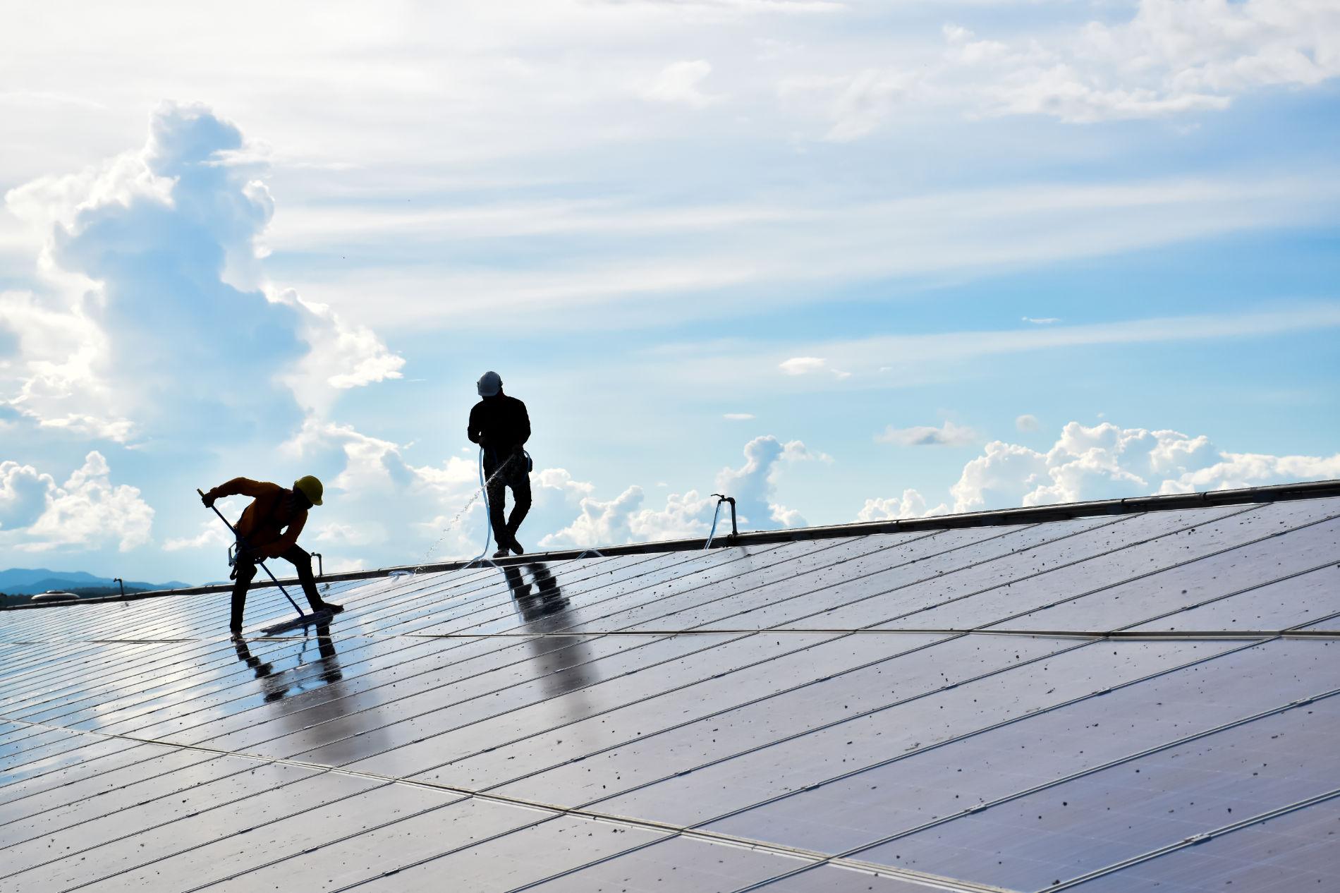 Solaranlagenreinigung München - Gebäudereinigung München - Luna Glanz GmbH & Co KG - Facility Management München