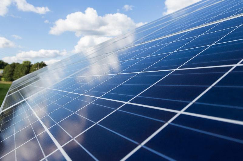 Solarreinigung - Luna Glanz GmbH & Co KG - Professionelle Gebäudereinigung München, Facility Management München
